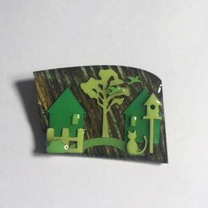 ✅🎊House 🏡 pin brooch by Lucinda excellent!